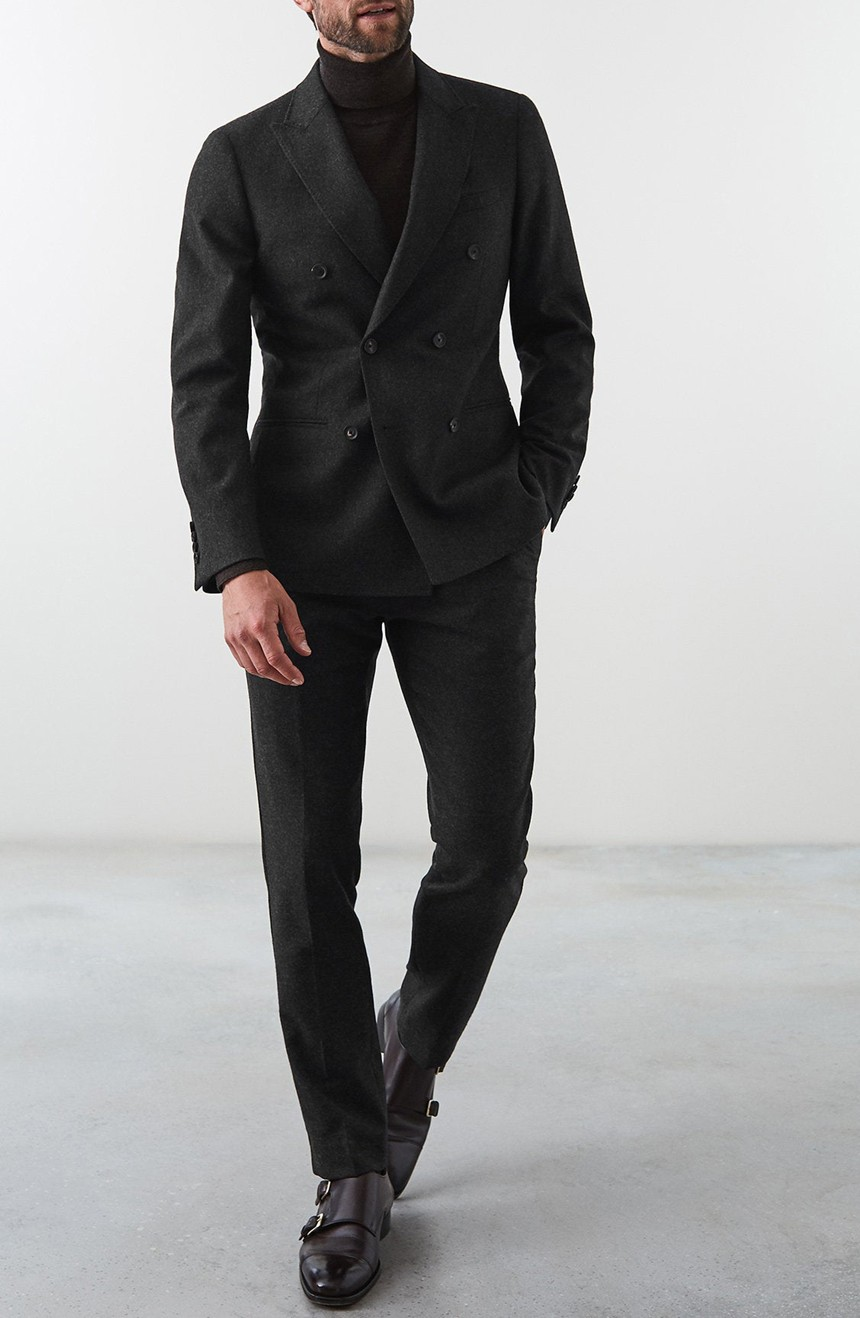Mens double-breasted suit slim fit with peak lapel and 6 button front.