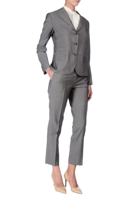 Womens tailored suit in silk and wool blend elegant cloth.