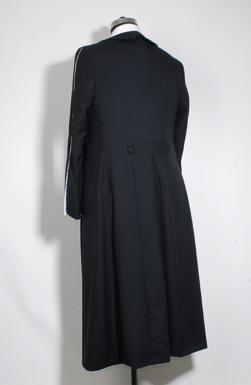 Black wizard robe womens from the Fantastic Beasts for Percival Graves cosplay, a full back view.