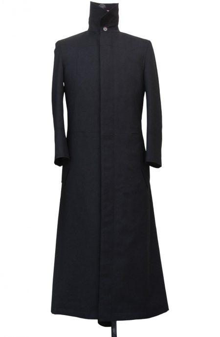 Matrix coat aka Neo trench coat black from the Matrix 1 movie.