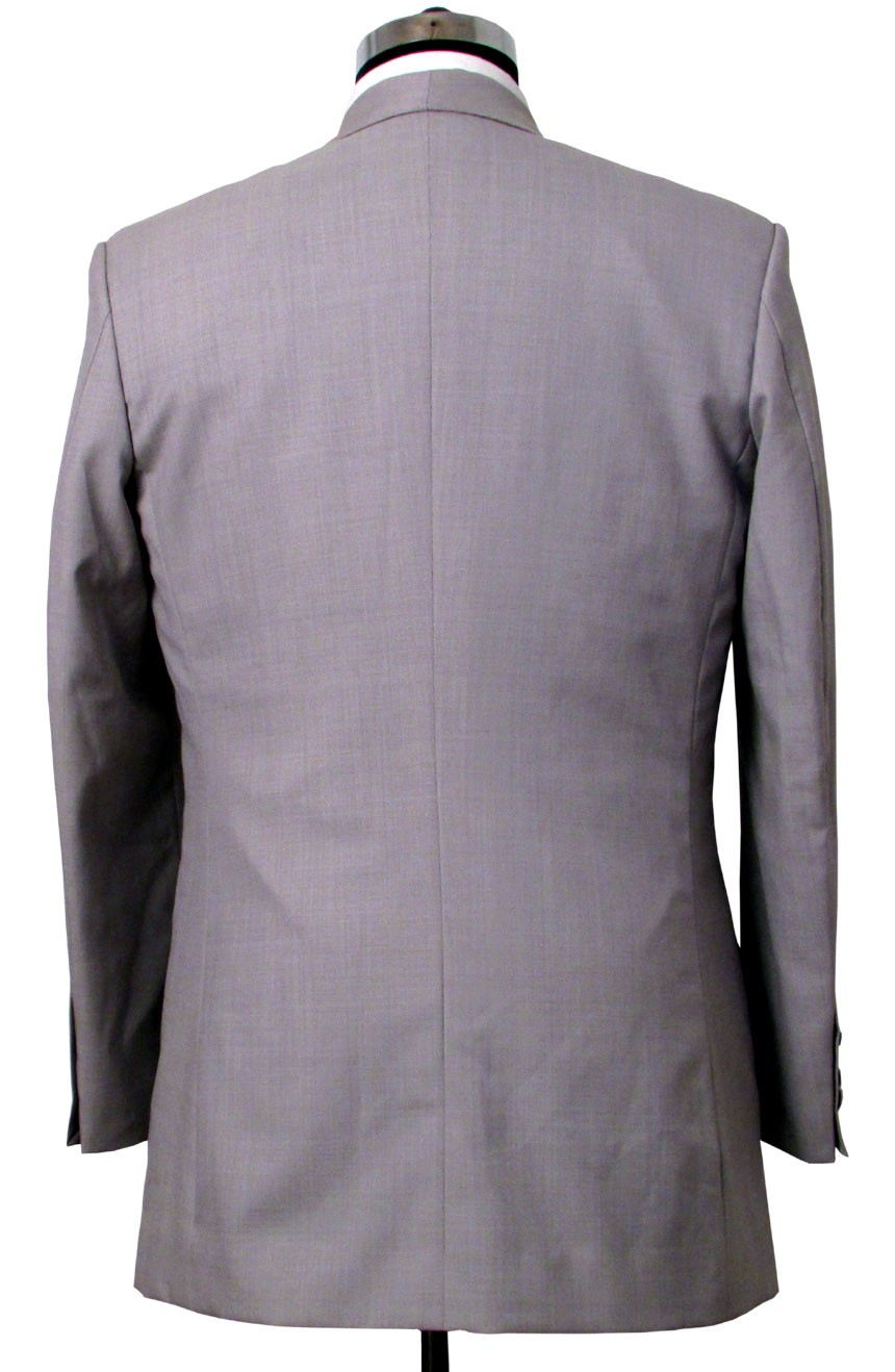 Brad Pitt grey suit in Oceans 11. A full-back view.
