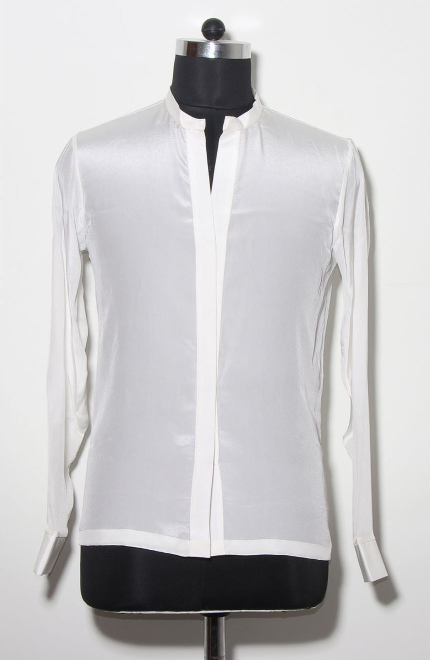 Dryden Vos crêpe silk shirt from Solo: A Star Wars Story. A full front view.