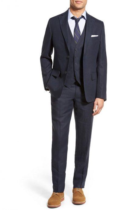 Linen wedding suit for grooms.